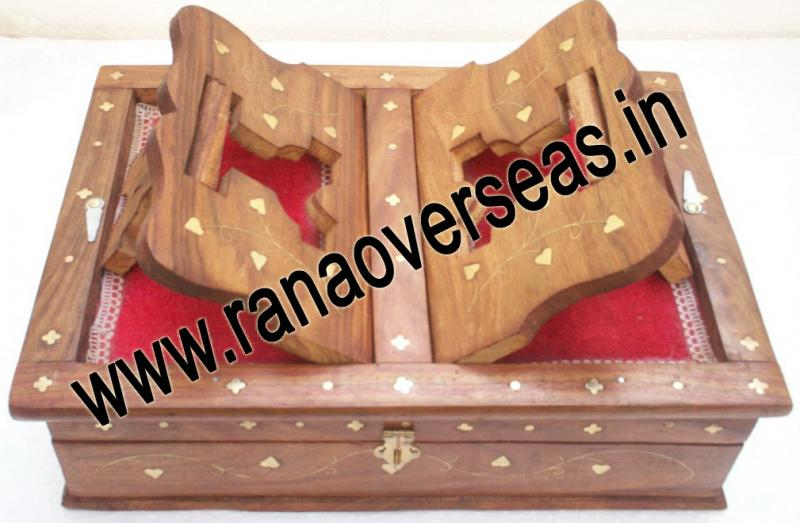 Wooden Holy Book / Rahel Stand with Box - 1