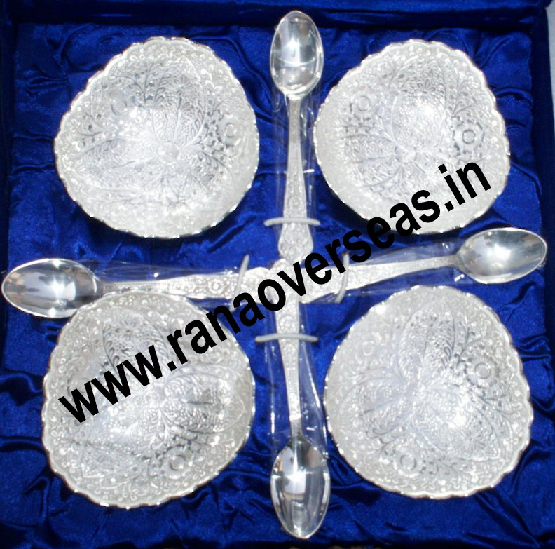 Silver Plated Bowl Set with spoons and Tray... 4 Serving bowls with 4 Spoons wit