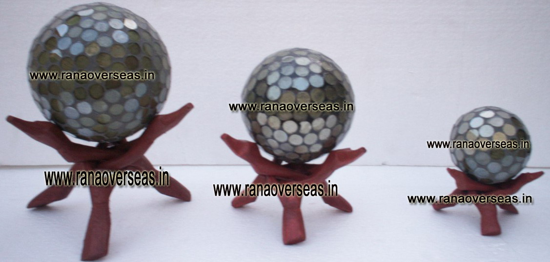 MOSAIC BALLS WITH STAND 4  - 5