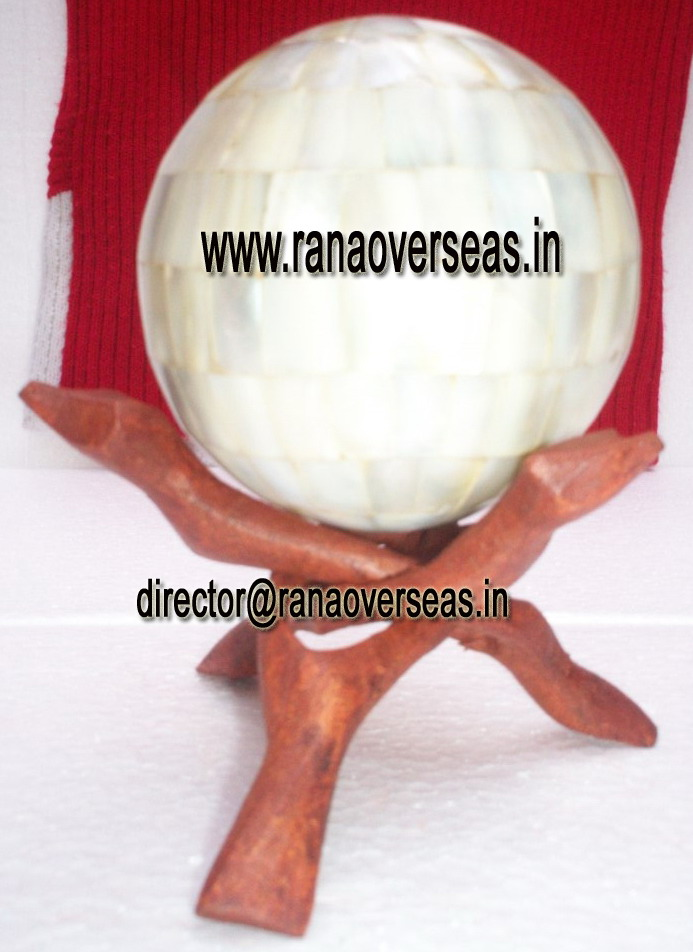 MOP BALLS WITH WOODEN STANDS - 2